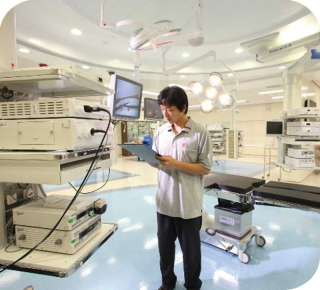 Immersive Training Simulator for Hospital E&M Installations Operations, Maintenance and Repair
